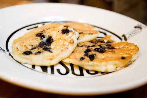 blueberry ricotta pancakes