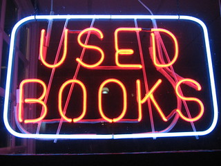 neon :: used.books