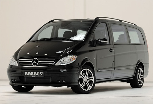 Brabus Mercedes-Benz Viano Lounge 2010 has a fascinating interior.