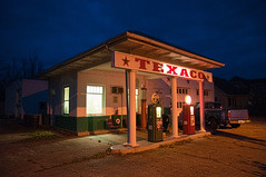 Texaco (Pete Zarria) Tags: iowa gasstation texaco gaspump petroliana omot