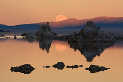 Mono Lake Moonrise (Jeffrey Sullivan) Tags: ocean california winter sunset usa moon color reflection canon rising zoom calm full telephoto saltlake monolake tufa 2009 canon70200f4l 200mm inlandsea blueribbonwinner inlandocean anawesomeshot ef70200mmf4lisusm fbdg goldstaraward cffaa flickrclassique