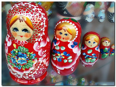 Matryoshka doll (Vestaligo - Vacation with Internet connection) Tags: vienna wood red color rot austria europe painted schaufenster souvenir colored shopwindow holz farbe figures bunt bemalt auslage otw beautysecret matryoshkadoll flickraward kunstplatzlinternational