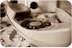 Ni tan solo querer esperar (x_xesnins) Tags: call telephone telefon telefono