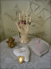 Heart in Hand (My Petite Maison) Tags: house hearts whimsy romance valentines collecting cozyhome