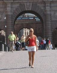 Walkway scene, Gamla Stan (bryanDeldridge) Tags: sweden stockholm scandanavia