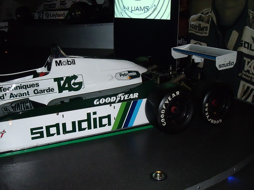 FW08B - the unraced Williams six-wheeler