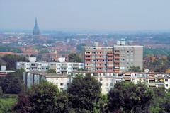 Hildesheim (2) (gabriel_flr) Tags: churches kirchen hildesheim niedersachsen wohnblöcke biserici sigmasd14 bockfeld gabrielflr