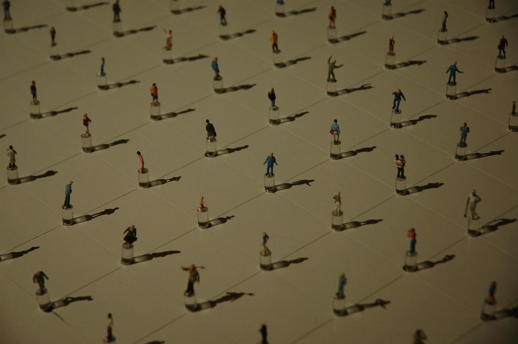 Figurine selection table