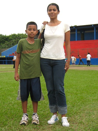 Marcos y Mama - Acadamia de Atletismo