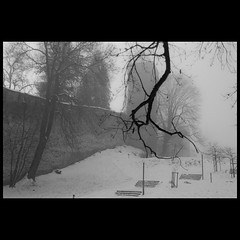 Melancholy (Diueine) Tags: melancholic luzern fog foggy snow bw forsaken cold loneliness emptiness solitude melancholy switzerland suisse schweiz lucerne europe slr dslr nikon d80 europa winter 20082009 noiretblanc pretoebranco blackandwhite pb nb schwarzweis pretobranco noirblanc blackwhite zoom europe2008 nikkor dx 1855mm vr digital blandwhite monochrome f3556 nobody none nothingness empty solitariness withdrawal noperson notanyone noone vacant uninhabited unoccupied unpopulated unsettled bydiueine diueine cropsensor schwarzweiss schnee schwarzweisfotografie grayscale geotagged 2009 diueinemonteiro travel travelphotography monteiro reise
