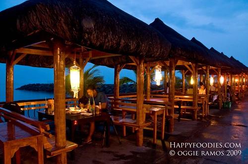 Cabana dining at Sea Breeze Restaurant