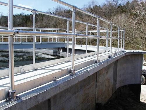 Aluminiowa barierka (balustrada) ze złączy Kee Lite