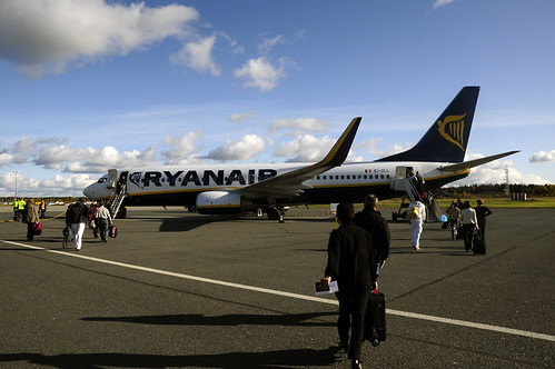 Tampere #5 - RyanAir Boeing 737-800 (by dr_tr)