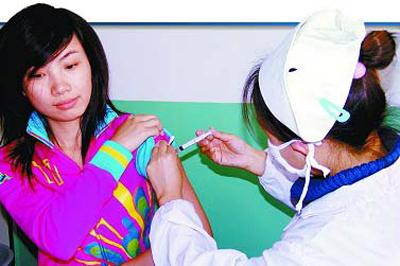 宝鸡美女医护人员在接种