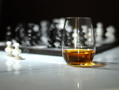 light shadow brown white black reflection glass reflections gold golden nikon bokeh chess whiskey marble pawn singlemalt cls checkmate malt strobist checkmalt