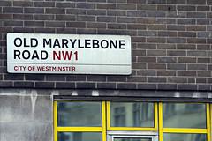 Marylebone. (imancioli) Tags: england  london window colors canon finestra gb isabella cartello colori londra marylebone 60d mancioli imancioli