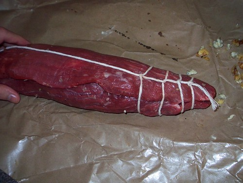 tying flank steak