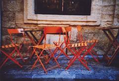 ^ (Ilaria ♠) Tags: lomo lca xpro montpellier colori agfaprecisa agfactprecisa100 levogliamotaggarestecacchiodifoto eehhhcalmaaahoavutotantodafareinquestigiorni adesoperòkapamidicechesonostatabrava