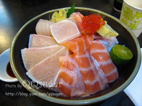 你拍攝的 綜合海鮮丼平裝版2。