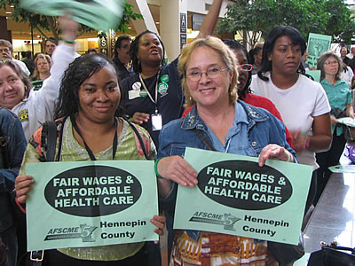 0919AFSCME_two_workers