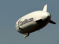 23andMe.com [sep 3] (JavierPsilocybin) Tags: california usa geotagged publicidad advertisement nave longbeach blimp airship dirigible eeuu flyingobject objetovolador geo:lat=33781542 geo:lon=11815676