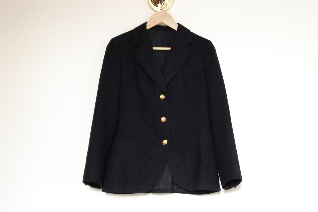 vintage three button navy blazer
