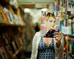 Cindy modeling Michelle Williams new Haircut (diyosa) Tags: magazine bookstore vogue greenapple headcover michellewilliams
