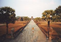 Cambodge 11 (Exile on James Street) Tags: cambodia angkorwat lomolca oliverread
