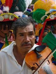 Indigenas_12 (Gionitz_PIC) Tags: cultura indigenas tradicion rostros trajestípicos culturamexicana trajesregionales fiestasregionales totonacos rostrosdemexico rostrodemexico