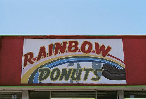 rainbow donuts2-59800016