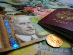 Y en el 2009...ahorrar pa' arrancar (Caps!) Tags: canada money resolution savings passport 2009 dinero dollars pasaporte ahorro propsito dlares 5212 emigrar