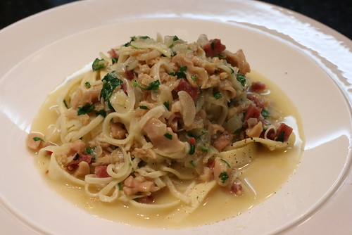 Pasta with White Clam Sauce 3