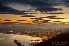 I la llum del sol va deixar pas als llums de la ciutat (Salva Mira) Tags: sunset flickr nightshot nocturna kdd despedida quedada trobada jávea xàbia capvespre nohdr qdd salvamira