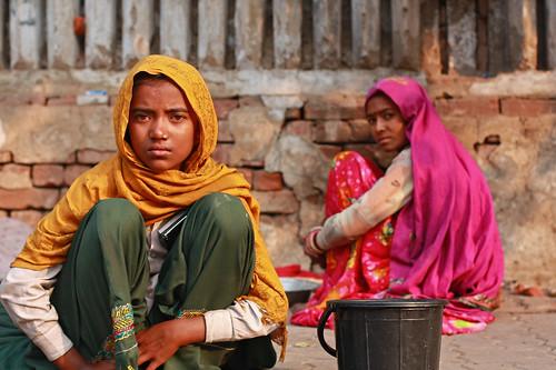 フリー画像| 人物写真| 女性ポートレイト| アジア女性| インド人| スカーフ| ホームレス|     フリー素材|