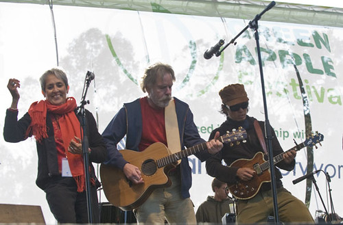 Joan Baez, Bobby Weir, Michael Kang - Earth Day 2008, Speedway Meadow, Golden Gate Park, San Francisco