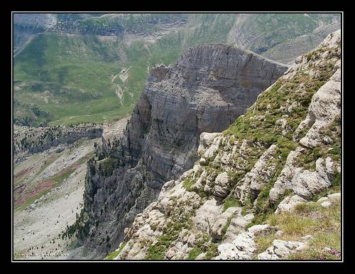 Paredes del Sayéstico (2082 m.)