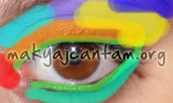 dumanlı göz makyajı nasıl yapılır buğulu gözler smokey eyes makyaj kozmetik
