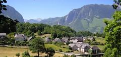 village orcun (Vallée d'Aspe) Tags: villages chapelle pyrenees pyrénées patrimoine vallée orcun aspe borce aydius bedous jouers accous iseye