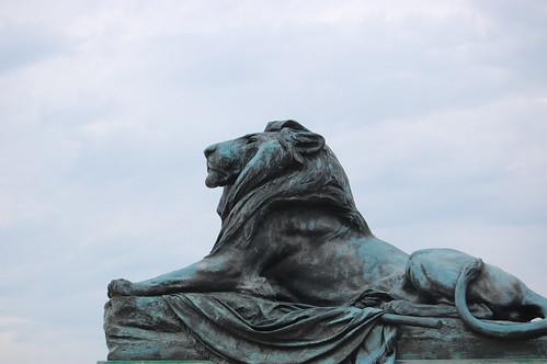 Statues-2