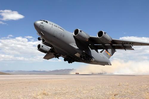 フリー画像| 航空機/飛行機| 軍用機| 輸送機| C-17 グローブマスターIII| C-17 Globemaster III|      フリー素材|