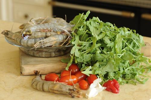 Рецепт салата с креветками и рукколой с фото