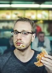 (Benoit.P) Tags: blue portrait food canada color eye canon 50mm glasses book junk montréal martin benoit quebec f14 fast humour eat actor 5d resto paille benoitp perizzolo humouriste