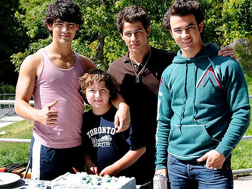 jonas-brothers-nick-birthday