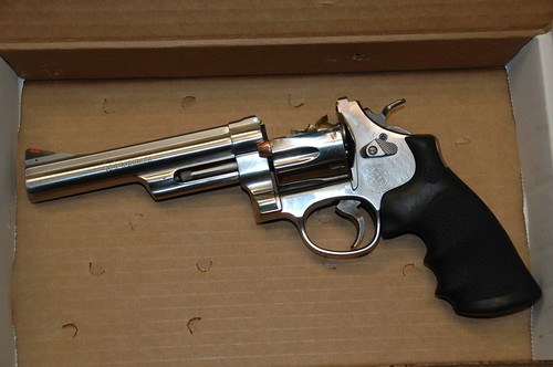 44 magnum revolver smith and wesson. 629 .44 Magnum revolver.