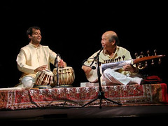 "with Vineet Vyas, tabla • <a style=""font-size:0.8em;"" href=""http://www.flickr.com/photos/35985863@N07/5816652143/"" target=""_blank"">View on Flickr</a>"