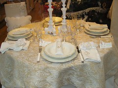 Christmas table 08 (maria grazia preda) Tags: christmas italy window table europa italia maria decoration lifestyle bologna shopwindow tisch inverno natale tovaglia bianco interiordesign tablesetting plat oro vetro tavola tessuti bicchieri piatti christmastable grazia decoracin nappe vetrine stoffe preda visualmerchandising italianstyle tablescapes cuscini  ricami receber tischdeko tischdekoration apparecchiare apparecchiatura busatti ricevere decorazionetavola tabledecorating mariagraziapreda decorerlatable