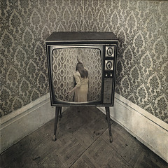 the corner (2eyes_photos) Tags: photomanipulation vintage tv nikon bravo textures abigfave artlibre aplusphoto bratanesque artlibres memoriesbook spittinshells nikond300 masterpiecesoflightdark lightiq