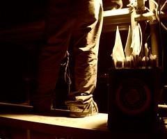 Lui se la suona part.2....@ kArNiVaL (zituoi) Tags: canon dj impalcatura musica festa ricky piedi karnival scarpe riccardo gambe divertimento ballare dischi vinile vinili discjokey pedana eos400d zituoi scattifotografici gegghe karnival3