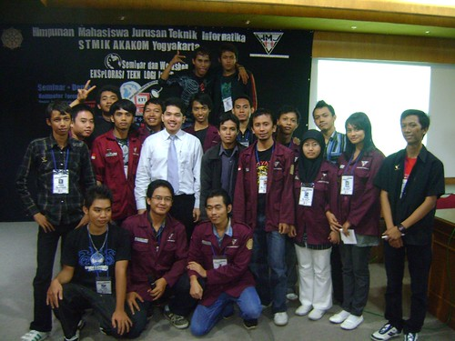Foto bersama Panitia Seminar Software Cracking & Protection