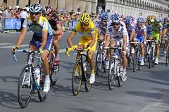 Tour de France 2009 - Stage 21 Paris - Alberto Contador (www.lightboxphotography.com) Tags: paris champselysees cycling tourdefrance aerialphotography lancearmstrong andyschleck commercialphotography frankschleck markcavendish fabiencancellara albertocontador liverpoolphotographer simonkirwan wwwthelightboxcom wwwsimonkirwancom